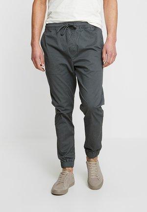 TRUC CUFF - Kangashousut - dark grey