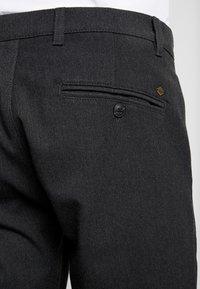 Solid - TRAVIS CROPPED SLIM - Pantalones - dark grey melange - 5