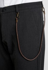 Solid - TRAVIS CROPPED SLIM - Pantalones - dark grey melange - 3