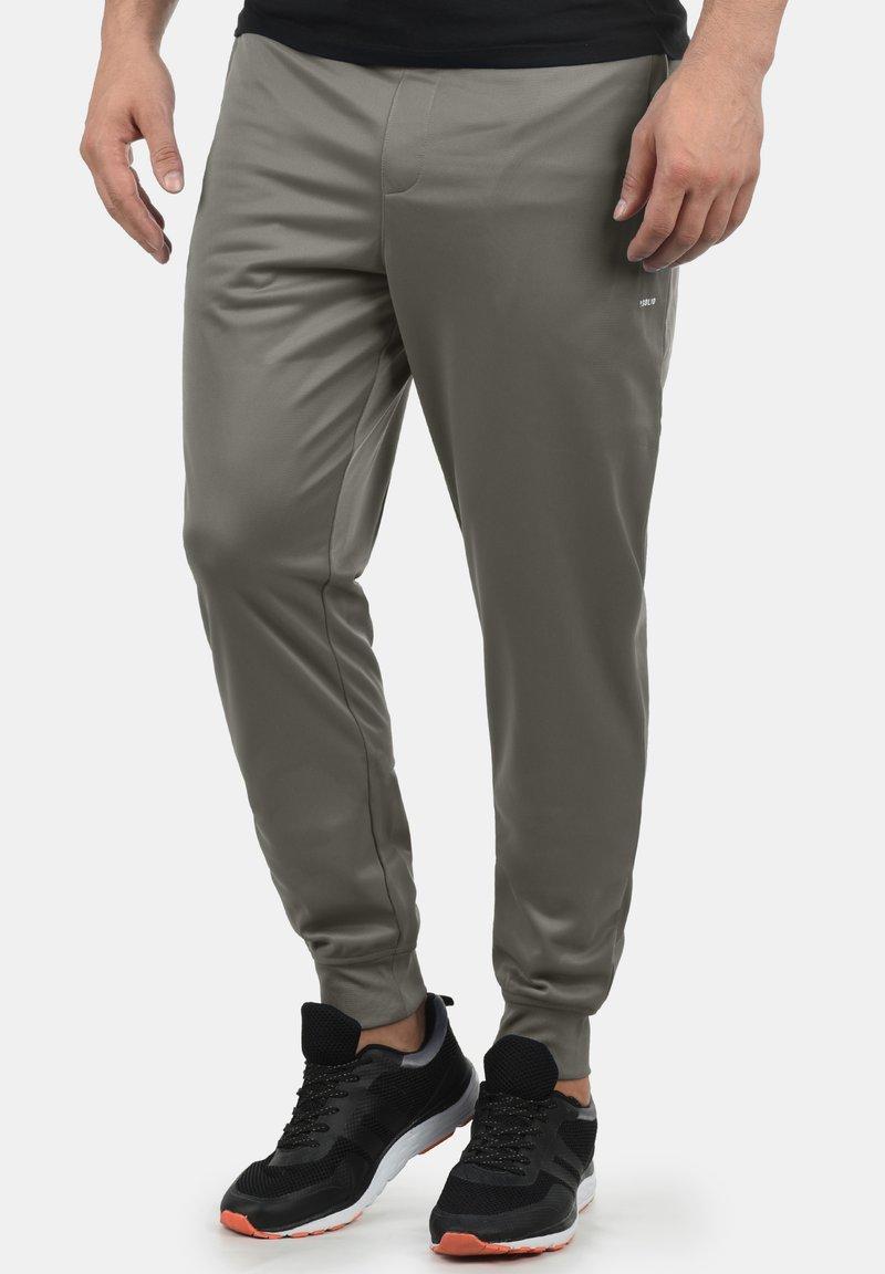 Solid - LEANDRI - Tracksuit bottoms - grey