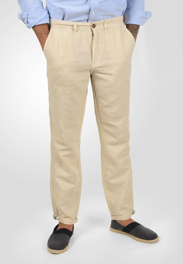 LORAN - Trousers - bleached sand