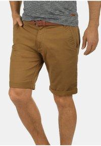 Solid - CHINOSHORTS MONTIJO - Shorts - braun - 0