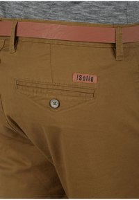 Solid - CHINOSHORTS MONTIJO - Shorts - braun - 2