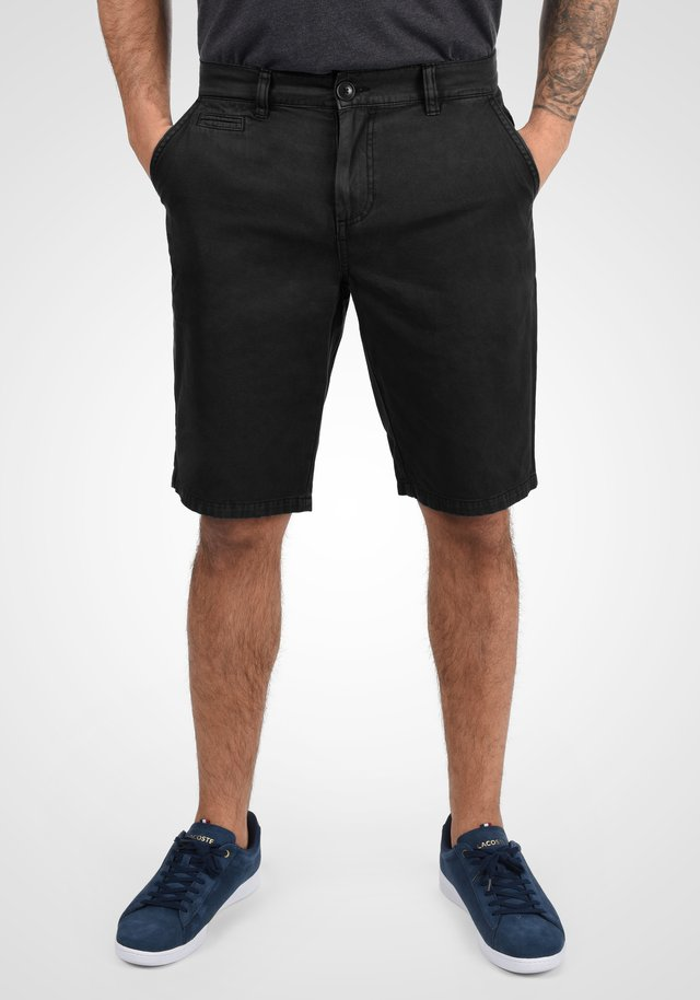 VISEU - Shorts - black