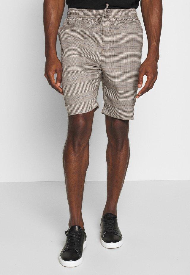 RON ELASTIC - Shorts - sand
