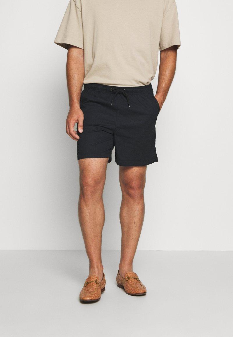 Solid - GUBI ELASTIC - Shorts - black