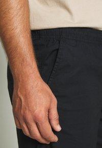 Solid - GUBI ELASTIC - Shorts - black - 4