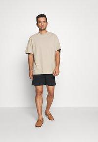 Solid - GUBI ELASTIC - Shorts - black - 1