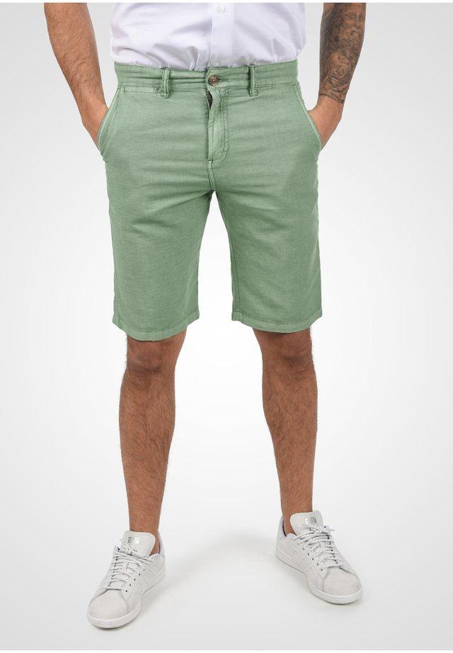 Shorts - hedge gree