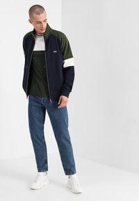 Solid - TAPERED DAD FIT - Jeans Tapered Fit - mid blue - 1