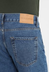 Solid - TAPERED DAD FIT - Jeans Tapered Fit - mid blue - 5