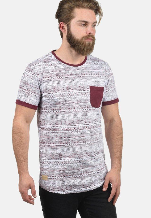 INGO - Print T-shirt - wine red