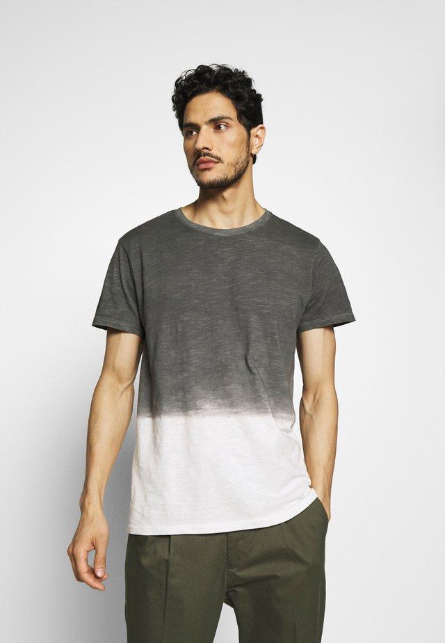 JANUS - T-shirts med print - castlerock
