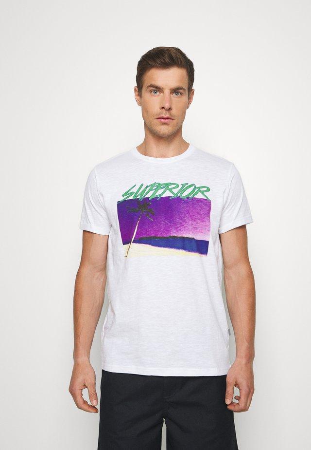 KOLETON - Print T-shirt - white