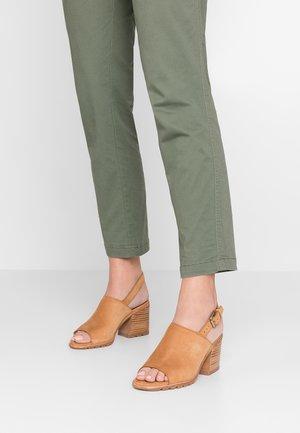 NADIA SLINGBACK - Sandaler - camel/brown