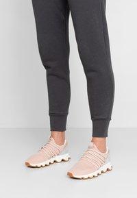 Sorel - KINETIC LACE - Sneakersy niskie - natural tan - 0