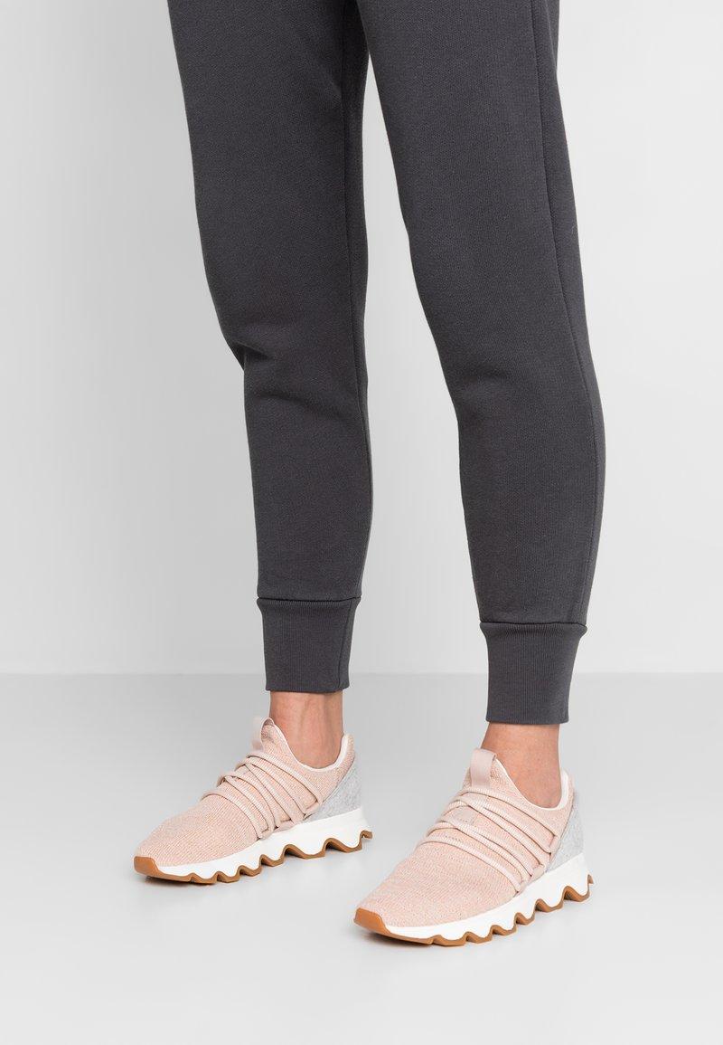 Sorel - KINETIC LACE - Sneakersy niskie - natural tan
