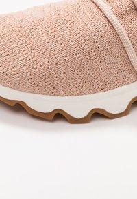 Sorel - KINETIC LACE - Sneakersy niskie - natural tan - 2