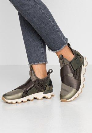 KINETIC - Sneaker low - sage