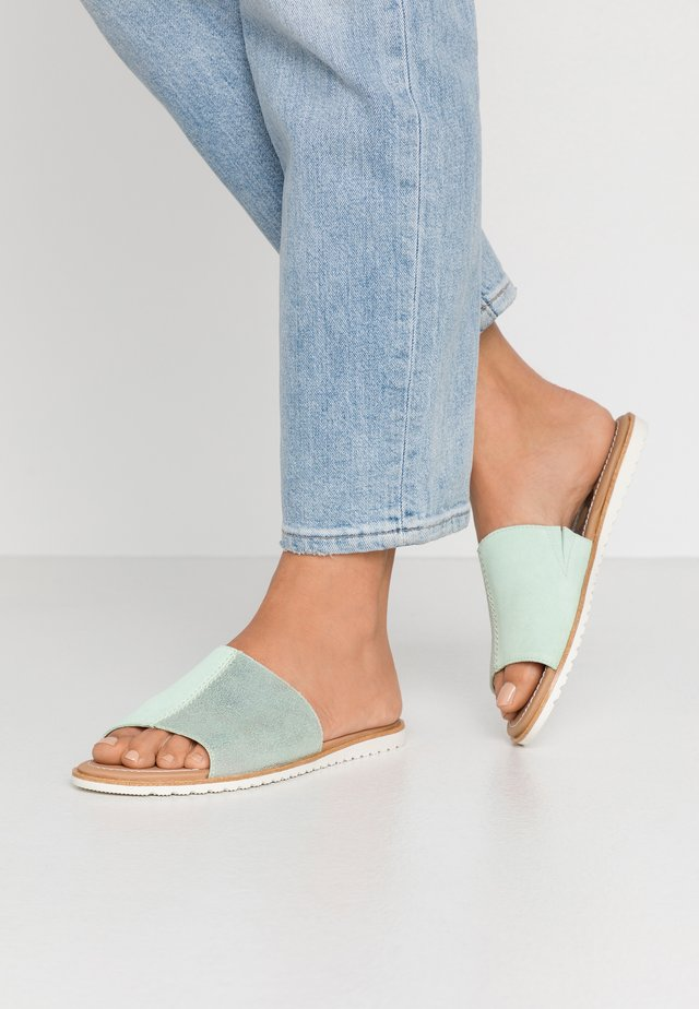 ELLA BLOCK SLIDE - Mules - vivid mint