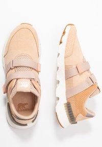 Sorel - KINETIC LITE STRAP - Sneakers basse - natural tan - 3
