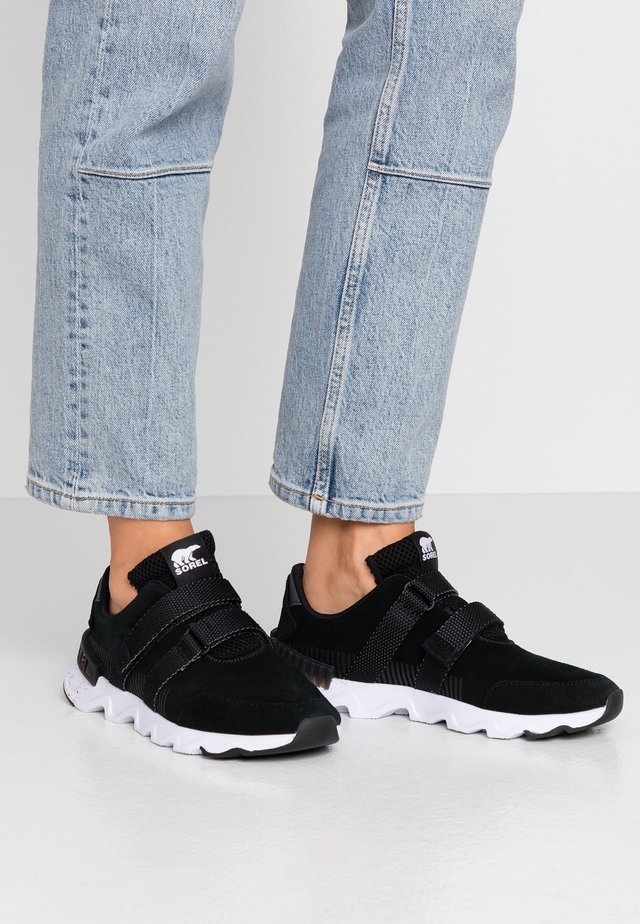 KINETIC LITE STRAP - Trainers - black