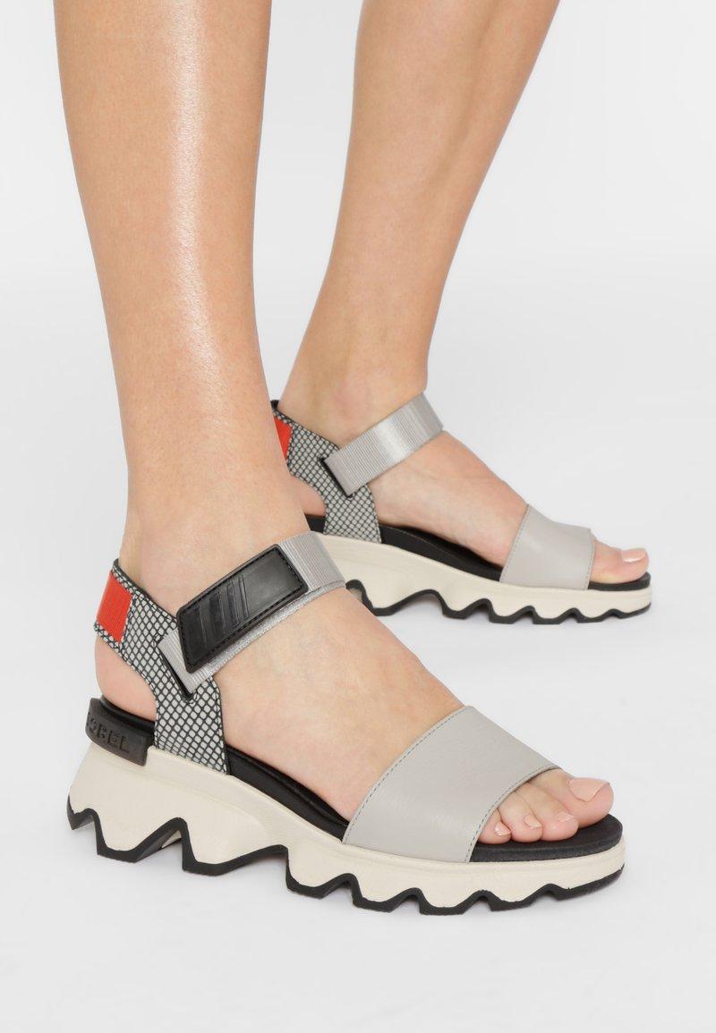 Sorel - KINETIC  - Walking sandals - dove