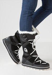 Sorel - GLACY EXPLORER - Zimní obuv - black - 0
