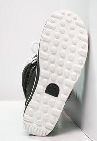 Sorel - GLACY EXPLORER - Zimní obuv - black - 5