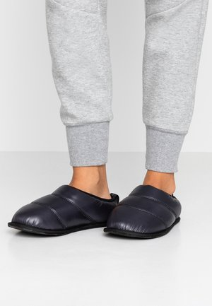 HADLEY SLIPPER - Slippers - black