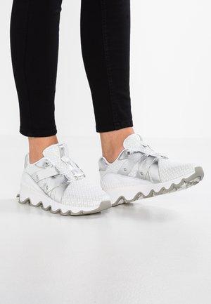 KINETIC SPEED - Zapatillas - light grey/silver
