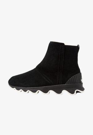 KINETIC SHORT - Snowboots  - black/sea salt