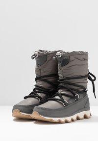 Sorel - KINETIC - Zimní obuv - quarry - 4