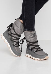 Sorel - KINETIC - Zimní obuv - quarry - 0