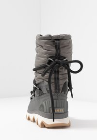 Sorel - KINETIC - Zimní obuv - quarry - 5