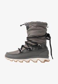 Sorel - KINETIC - Zimní obuv - quarry - 1