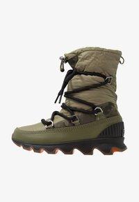 hiker green/black