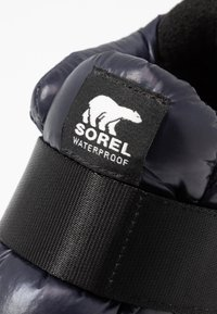 Sorel - OUT N ABOUT PUFFY - Vinterstøvler - black - 2