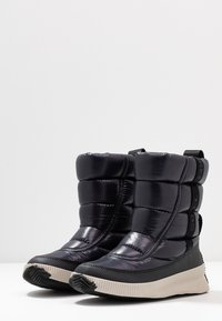 Sorel - OUT ABOUT PUFFY MID - Vinterstövlar - black - 4