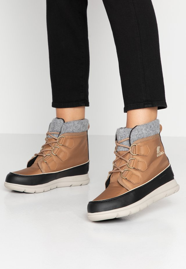 EXPLORER CARNIVAL - Lace-up ankle boots - elk