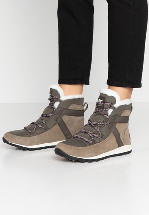 WHITNEY FLURRY - Winter boots - sage