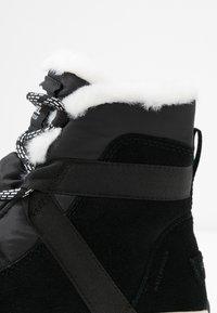Sorel - WHITNEY FLURRY - Vinterstøvler - black - 2