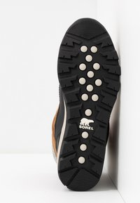 Sorel - WHITNEY SHORT LACE - Zimní obuv - elk - 6