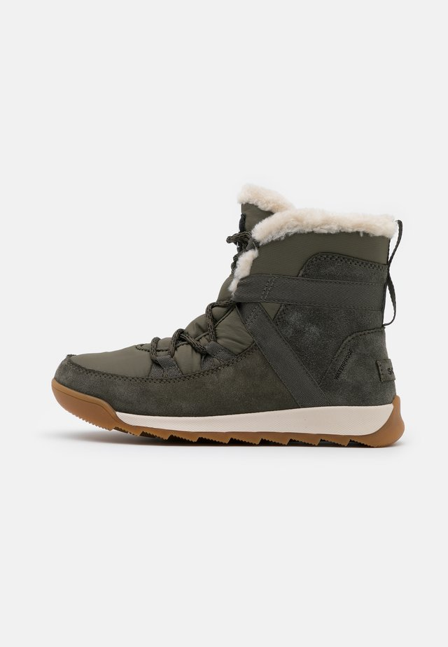 WHITNEY II FLURRY - Snowboot/Winterstiefel - khaki