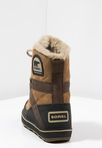 Sorel - GLACY EXPLORER SHORTIE - Winter boots - light brown - 4