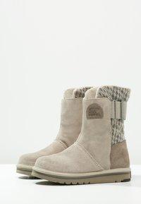 Sorel - NEWBIE - Snowboots  - silver sage - 2