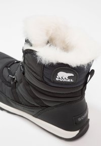 Sorel - WITHNEY SHORT LACE - Botas para la nieve - black - 5