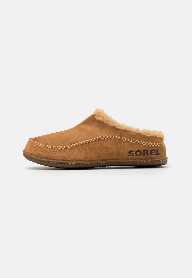 LANNER RIDGE - Chaussons - camel brown