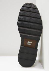 Sorel - MADSON CHELSEA - Šněrovací kotníkové boty - tobacco/black - 4