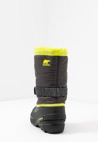Sorel - YOUTH FLURRY - Winter boots - dark grey/warning yellow - 4